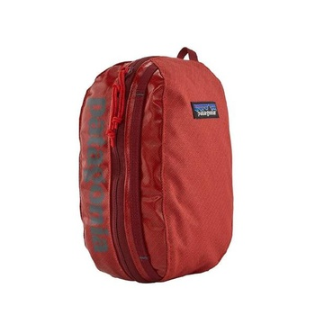 Patagonia Black Hole Cube Catalan Coral Small