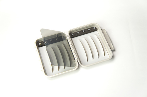 C&F Small Magnetic WP Fly Case (CF-1255V)